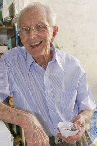 Fachwissen zur Altenpflege im Fernstudium lernen